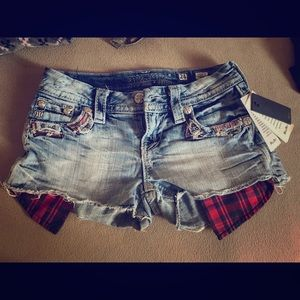 Size 24 Miss Me shorts